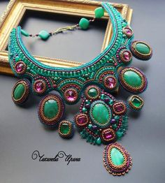 Irina Chikineva is a russian bead embroidery artist. Her work is original and unique and deserve only admiration and best words. I already made 2 posts about her, u can find them on these links LINK 1
