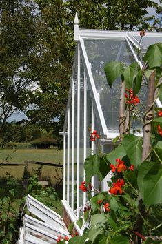 #greenhouse #coldframes #edwardian #british #traditional #countryside #gardens #flowers #plants #growoing #lanscape #ideas