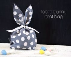 DIY Fabric Bunny Treat Bag | FREE SHAPE OF THE WEEK #Silhouette #Easter