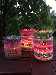Perfect for summer evenings and delectable dinner tables, Kate Eastwood& beautiful summer nightlight jar covers are fabulous stashbusters and great fun to Love Crochet, Crochet Gifts, Crochet Yarn, Crochet Hooks, Beautiful Crochet, Crochet Summer, Crochet Decoration, Crochet Home Decor, Crochet Jar Covers