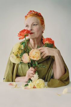 I heart Vivienne Westwood. She has stayed true to who she as she has grown older, despite what society says about style and aging. The British Are Coming Magazine: Vogue UK October 2009 Photographer: Tim Walker Model: Vivienne Westwood ~ I HEART HER TOO! Vivienne Westwood, Tim Walker Photography, Moda Punk, Magazine Vogue, New Wave, Vogue Uk, Foto Art, The New Yorker, British Style