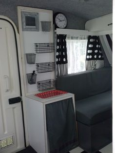 Caravan Predom Ikea curtains, all homemade! - Caravan Predom Ikea curtains, all homemade! Best Caravan, Mini Caravan, Caravan Vintage, Camper Caravan, Vintage Caravans, Caravan Hacks, Caravan Ideas, Caravan Storage Ideas, Vintage Campers
