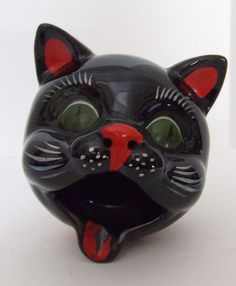Cat Ashtray--vintage 1950s.  DoggieWantsToShop.com