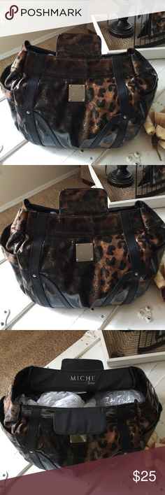 MICHE LISA ANIMAL PRINT   MICHE LISA ANIMAL PRINT BAG  Some snags along the very top threading of the bag (see last pic) Miche Bags Totes