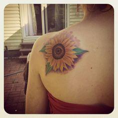 My first tattoo! Sunflower on shoulder blade Sunflower Tattoo Shoulder, Sunflower Tattoo Small, Sunflower Tattoos, Side Tattoos, Foot Tattoos, Small Tattoos, Tattoo Outline, First Tattoo, Back Tattoo