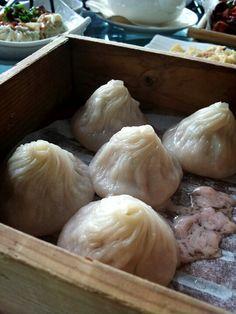 小笼包 - mini steam pork dumpling