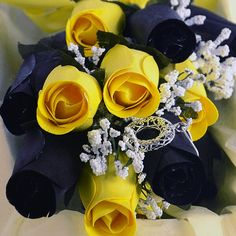 Your half dozen roses are carefully packaged and shipped out in an elegant black or gold rose box so when they arrive they look gorgeous! Just like our awesome Jewelry Candles, our Wax Roses also come with a jewel that will be valued anywhere from $10 to $7500!  www.womensgiftshop.com