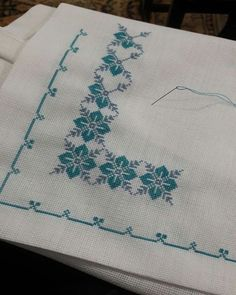 Cross Stitch Boarders, Biscornu Cross Stitch, Cross Stitch Flowers, Cross Stitch Designs, Cross Stitching, Cross Stitch Patterns, Palestinian Embroidery, Stitch 2, Embroidery Designs