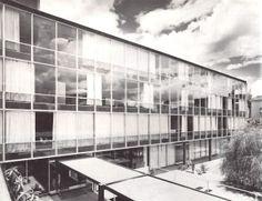 Edificio de Oficinas, Aseguradora la Libertad, Liverpool esquina con Dinamarca, Col. Juárez. México DF 1958 Arq. Augusto H. Álvarez - Office building for Aseguradora la Libertad, Col. Juarez, Mexico City 1958