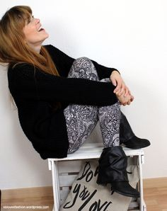 KK has a quick and easy boot enhancing tutefor leftover fabric on her self-titled blog: Got a groovy refashion to share? How about a funky upcycled accessory or decor tutorial? An amazing thrifted…