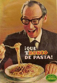 Vieja publicidad de pastas Ronco. Para los más chamos, el que anuncia es Renny Ottolina, el mejor animador de todos los tiempos de Venezuela, que trajo a su programa a los 5 de Jackson, en su apogeo, a B.B. King y muchas luminarias. Producto que él anunciaba, inmediatamente se vendía como pan caliente.