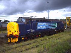 DRS locomotive Class 37 seen stabled west of Norwich station in the sidings. Electric Locomotive, Diesel Locomotive, British Rail, Train Engines, Tractor, Planes, Trains, Transportation, Cool Photos