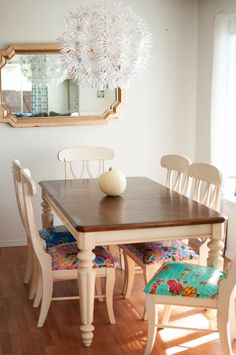 Kitchen Table to be Thankful for. a Make-Over Story how to refinish a kitchen table.how to refinish a kitchen table. Kitchen Table Chairs, Dining Room Table, Table And Chairs, Wood Tables, Rustic Table, Room Chairs, Kitchen Chair Cushions, Painted Tables, Painted Chairs