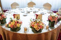 Hochzeitsdekoration mit Blumen kann vielfältig sein. Entdeckt tolle Beispiele bei uns im Blog.