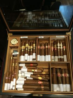 Cigars And Whiskey, Good Cigars, Pipes And Cigars, Cigar Humidor, Cigar Bar, Famous Cigars, Whiskey Room, Cigars And Women, Cigar Club