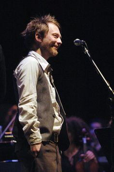 <b>Proof that Radiohead's frontman is not always a misery…