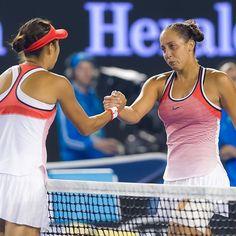 Crying Madison Keys after she barely stood on her feet to finish her R4 match to Zhang Shuai #leginjury #handshake #ausopen2016 #zhangintoquarterfinals