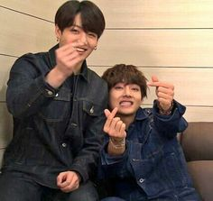 Tag you bff? Taekook, Bts Jungkook, Vkook Memes, Bts Memes, Namjin, Yoonmin, Jung Hoseok, Park Jimim, Bts Pictures
