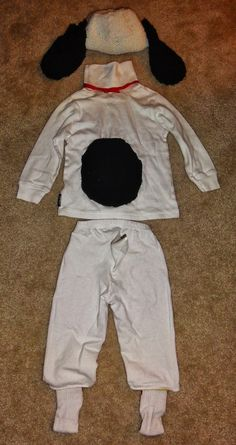 Simple Snoopy Costume: super cute and made from things in your child's wardrobe.