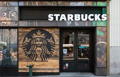new york city - may starbucks store. starbucks is the largest coffeehouse company in the world. Starbucks Gold, Starbucks Coffee, Inka, Café Bar, Coffee Store, Coffee Logo, Coffee Shop Design, Convenience Store, Architecture