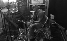 Superstar Kenny Chesney is giving fans extra insight into what will soon become his studio album, including his driving motivation. Best Country Singers, Country Music Artists, Kenney Chesney, Gilbert & George, Easton Corbin, Jake Owen, Young Celebrities, Architecture Quotes, Celebrity Travel