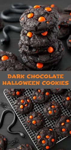 Darkish Chocolate Halloween Cookies make a spooky and attractive deal with! The darkish as evening chocolate cookies are the proper backdrop for the pumpkin orange candies. Serve these chocolate Halloween cookies at your social Halloween Desserts, Hallowen Food, Halloween Goodies, Halloween Food For Party, Happy Halloween, Halloween 2019, Hallowen Party, Healthy Halloween Treats, Spooky Halloween
