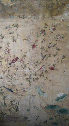 Chinese wallpaper s tetrapod moment Treasure Hunt Wallpaper Panels, Wall Wallpaper, Pattern Wallpaper, Stencil, Gracie Wallpaper, Chinese Picture, Chinese Wallpaper, Chinoiserie Wallpaper, Wall Murals