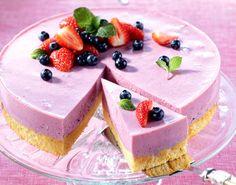 Torten-Rezepte: Leichte Joghurttorte mit Beeren