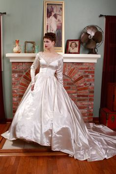 RESERVED ON LAYAWAY Vintage 1950s Wedding Dress - Heavy Duchess Satin Gown with Deep V Lace Neckline - Valentina