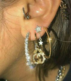This ear party. ESPECIALLY these Gucci earrings. Swoon.