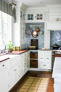 Remodeling a kitchen? Ask and expert with Google Helpouts is a cool new way to get the kitchen of your dreams.