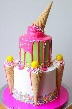 Venus Medler of Venus's Cakes shares a super-easy tutorial for a fun and playful ice cream cone drip cake. Ice Cream Cone Cake, Ice Cream Birthday Cake, Ice Cream Party, Cream Cake, Ice Cream Cupcakes, Cake Icing, Cupcake Cakes, Car Cakes, Drip Cake Tutorial