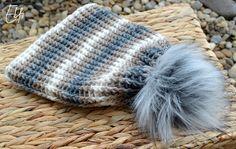 *Háčkovaná čiapka s kožušinovým brmbolcom* Knitted Hats, Winter Hats, Knitting, Crochet, Fashion, Moda, Tricot, Fashion Styles, Breien