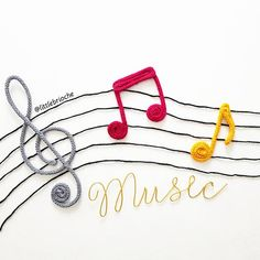 Trio of music notes composed of: - 1 floor key (height 25 cm) - 1 hook (height 12 cm) - 1 double hook (height 12 cm) Colours to choose from (see photos) Remember to tell me your choices when finalizing your order. Diy Crafts For Kids Easy, Easy Arts And Crafts, Music Machine, Baby Room Diy, Music Crafts, 3d Pen, Knit Mittens, String Art, Instruments