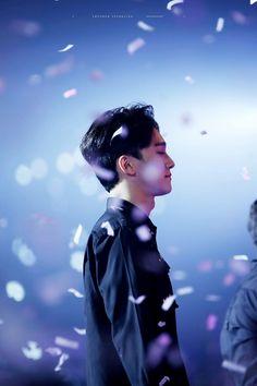 Chen © thunder sparkling ↳ do not edit or remove the logo. Kim Jong Dae, Kim Min Seok, Kpop Exo, Exo Memes, Kris Wu, Kai, Chanyeol Baekhyun, Xiuchen, Fandom