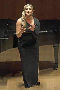 Judges sing local soprano Julie Adams' (Merola 2014) praises - Soprano Julie Adams has received top honors at two opera competitions.