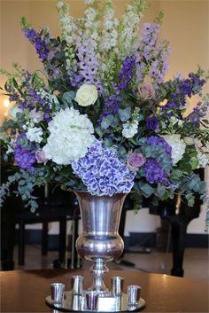 new Ideas for flowers bouquet vase decoration September Wedding Flowers, Country Wedding Flowers, Neutral Wedding Flowers, Winter Wedding Flowers, October Wedding, Boho Wedding, Wedding Ideas, Large Flower Arrangements, Flower Vases