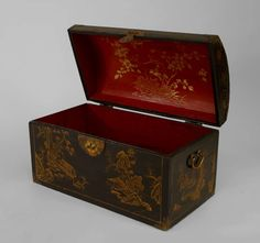 1stdibs | 19th c. Chinese Black Lacquer And Parcel Gilt Decorated Trunk
