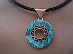 AROS MOSAICO COBRE  TURQUESA-MALAQUITA-LAPISLÁZULI                   zafiroandino@gmail.com       zafiroandino@gmail.com       COLGANTES ... Washer Necklace, Pendant Necklace, Mixed Metal Jewelry, Jewelry Photography, Mixed Metals, Cool Items, Jewelry Art, Silver Rings, Pendants