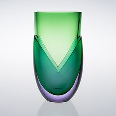 "HEIKKI ORVOLA - Glass vase ""Kukka"" (A Flower) for Nuutajärvi Notsjö, Finland. Art Of Glass, Glass Artwork, Glass Design, Design Art, Lassi, Modern Glass, Antique Glass, Art Decor, Decoration"