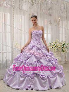 Customized Pick-ups Appliqued Lavender Quinceanera Dresses in Taffeta