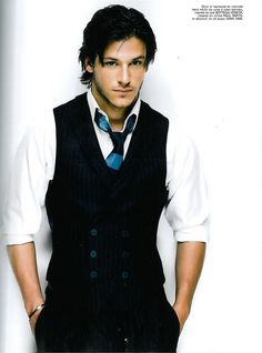 Omg, I looooove Gaspard Ulliel! Cute little scar on his face from a dog attack (I think) when he was like 6... Did a great in Hannibal Rising, was offered the role of Edward Cullen but he knew he was waaaay too good for it ;)