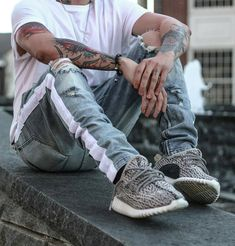 Advice On Buying Fashionable Stylish Clothes – Clothing Looks Swag Outfits Men, Stylish Outfits, Fashion Outfits, Fashion Ideas, Style Streetwear, Streetwear Fashion, Japan Fashion, Mens Fashion, White Tshirt Outfit