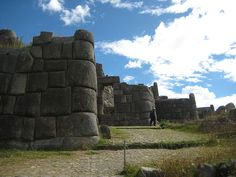 Sacsayhuaman    Sacsayhuaman, on a hill above Cuzco, was the Incas' main fort defending the city. There are three layers of zigzag walls around the fortress, and apparently these walls used to be at least twice the height they are today.