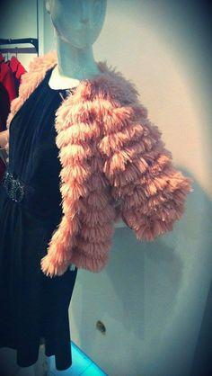 Fii admirată cu o ținută de seară de invidiat! Fii, Fur Coat, Fashion, Moda, Fashion Styles, Fashion Illustrations, Fur Coats, Fur Collar Coat