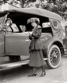 Dressed to Drive: 1922
