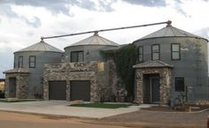 Transforming Silos in erstaunliche Lebensräume - Dekoration HD Silo House, My House, Farm House, Eco Casas, Cabana, Grain Silo, Unusual Homes, The Ranch, Little Houses