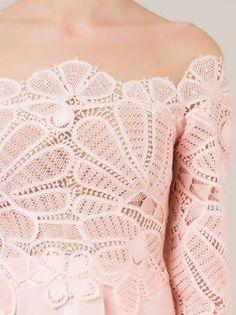 renda renascença - Pesquisa Google Filet Crochet, Knit Crochet, Crochet Tops, Fernanda Yamamoto, Romanian Lace, Point Lace, Needle Lace, Irish Lace, Ribbon Embroidery