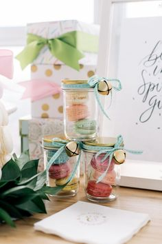 Mason jars are the perfect way to package sweets for a take-home favor for your guests! Love these brightly colored macarons in mason jars. photography Janet KwanPhotography / macarons by Macaronz / creative direction and styling Lorrie Everitt Wedding Favor Sayings, Wedding Favour Jars, Edible Wedding Favors, Unique Wedding Favors, Wedding Ideas, Chic Wedding, Wedding Stuff, Macarons, Macaron Favors