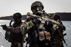 HK416-aanvalsgeweer en HK417-scherpschuttersgeweer | Koninklijke Marine | Defensie.nl